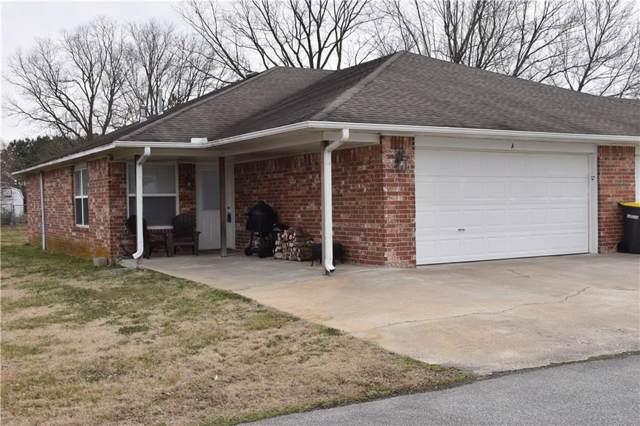 2566 Center  St, Fayetteville, AR 72701 (MLS #1137645) :: McNaughton Real Estate