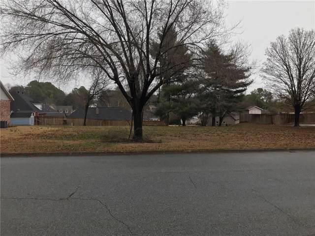 4003 Fairway  Dr, Springdale, AR 72764 (MLS #1137938) :: Five Doors Network Northwest Arkansas