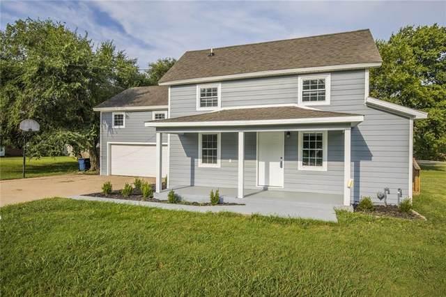 2202 Elm  St, Siloam Springs, AR 72761 (MLS #1139482) :: McNaughton Real Estate