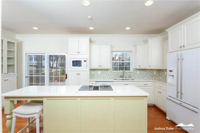 2162 E Revere  Pl, Fayetteville, AR 72701 (MLS #1139524) :: McNaughton Real Estate