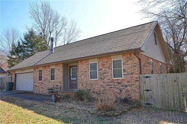 3111 E Pawnee  Ct, Fayetteville, AR 72701 (MLS #1139569) :: McNaughton Real Estate