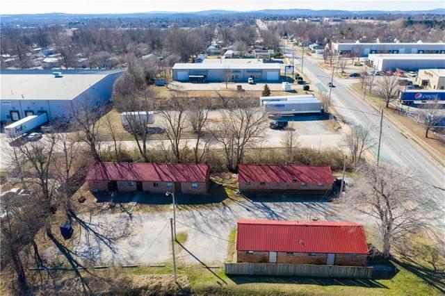 2001 Powell  St, Springdale, AR 72764 (MLS #1140127) :: McNaughton Real Estate