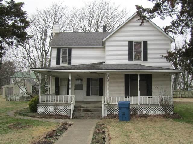 301 S Rust  Ave, Gentry, AR 72734 (MLS #1140848) :: McNaughton Real Estate