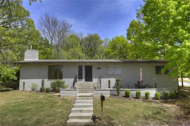 710 N Cedarwood Avenue, Fayetteville, AR 72701 (MLS #1145013) :: Jessica Yankey | RE/MAX Real Estate Results