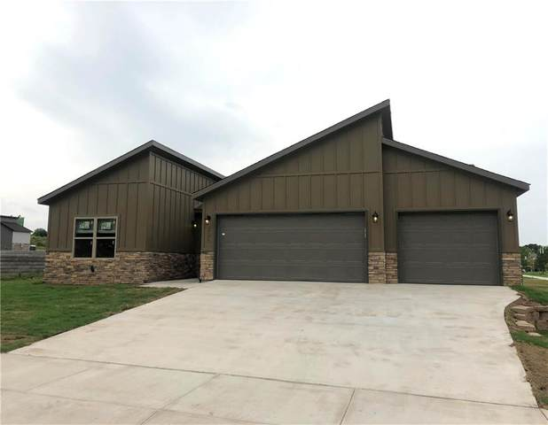 2629 N Justin Drive, Fayetteville, AR 72704 (MLS #1152057) :: McNaughton Real Estate