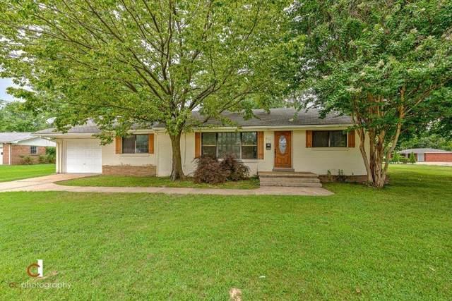 912 E Huntsville Avenue, Springdale, AR 72764 (MLS #1156481) :: Five Doors Network Northwest Arkansas
