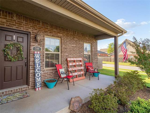 700 SW Caprington Street, Bentonville, AR 72712 (MLS #1159757) :: McNaughton Real Estate
