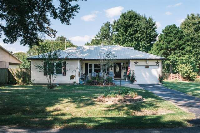 928 S Maxwell Street, Siloam Springs, AR 72761 (MLS #1161007) :: Jessica Yankey | RE/MAX Real Estate Results