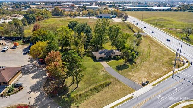 2217 Old Wire Road, Springdale, AR 72764 (MLS #1162022) :: McNaughton Real Estate