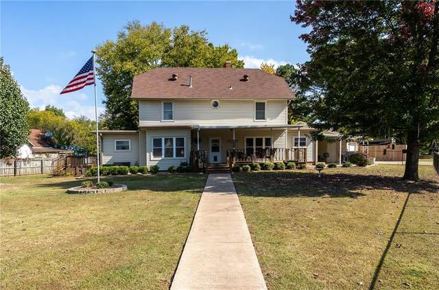 625 S Madison Street, Siloam Springs, AR 72761 (MLS #1163336) :: Annette Gore Team | RE/MAX Real Estate Results