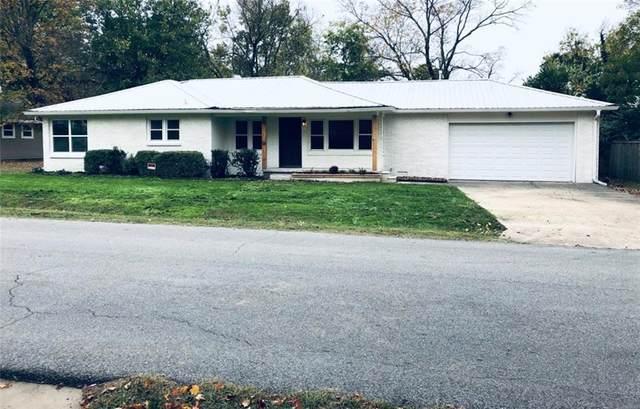 107 E Parks Street, Prairie Grove, AR 72753 (MLS #1166477) :: McNaughton Real Estate