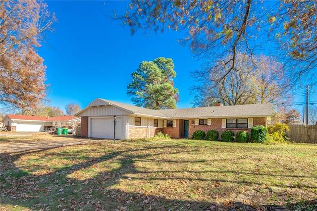 717 Carlton Street, Springdale, AR 72762 (MLS #1166890) :: Annette Gore Team | RE/MAX Real Estate Results