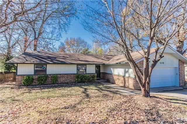 928 S 25Th Street, Rogers, AR 72758 (MLS #1166919) :: McNaughton Real Estate