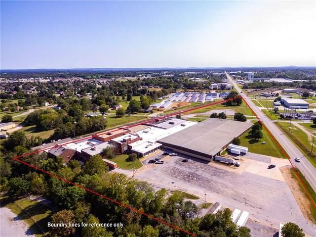 501 N Lincoln Street, Siloam Springs, AR 72761 (MLS #1169759) :: Annette Gore Team | EXP Realty