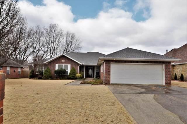 1300 N Oriole Avenue, Rogers, AR 72756 (MLS #1170988) :: Five Doors Network Northwest Arkansas