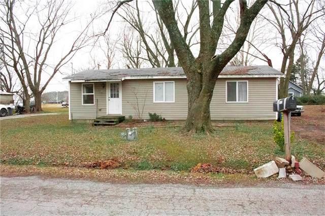 105 Pleasant Avenue, Gentry, AR 72734 (MLS #1172283) :: McNaughton Real Estate