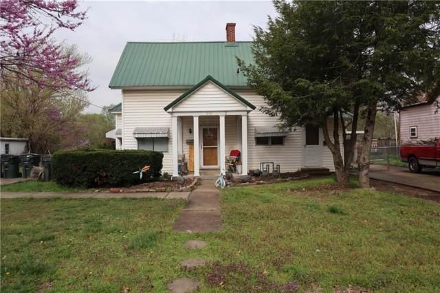 618 N 4th Street, Rogers, AR 72756 (MLS #1180251) :: McNaughton Real Estate