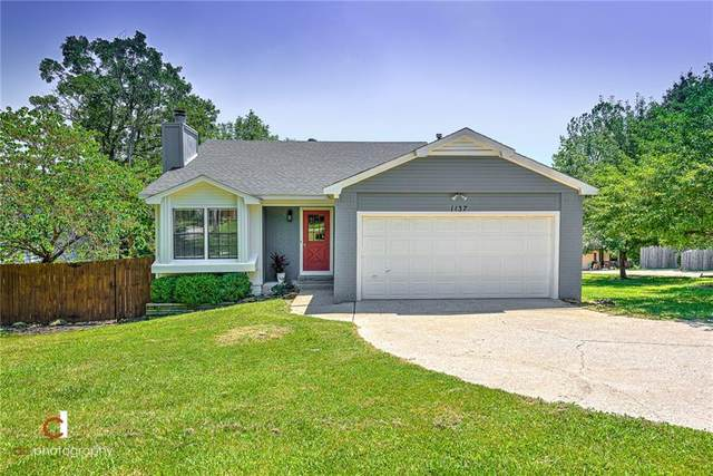 1137 E Township Street, Fayetteville, AR 72703 (MLS #1188045) :: NWA House Hunters   RE/MAX Real Estate Results