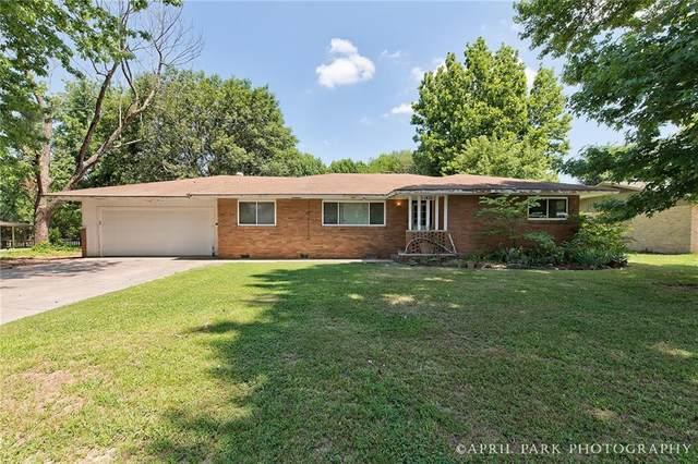 1410 Lawrence Avenue, Springdale, AR 72764 (MLS #1190878) :: Five Doors Network Northwest Arkansas