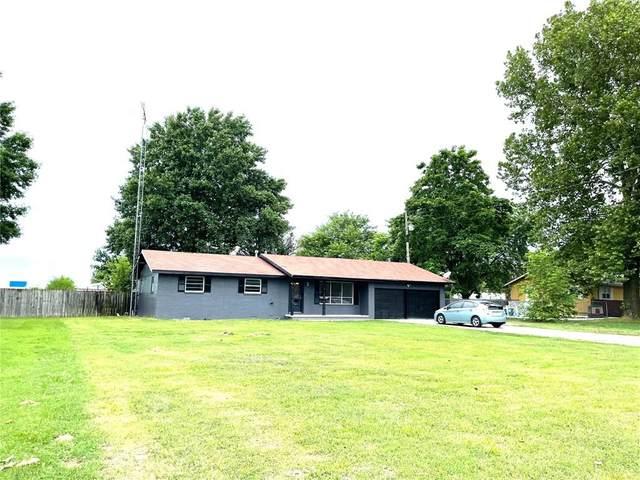 1100 N 40th Street, Springdale, AR 72762 (MLS #1191272) :: McNaughton Real Estate