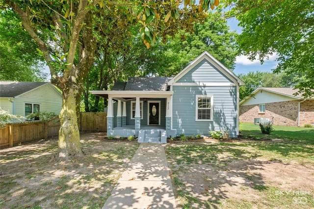 213 N Nelson Avenue, Gentry, AR 72734 (MLS #1191332) :: McNaughton Real Estate