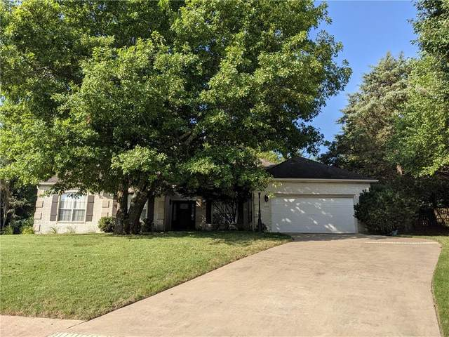 3285 Piper Glen, Fayetteville, AR 72703 (MLS #1192296) :: McNaughton Real Estate