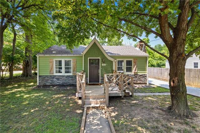 905 Mission Boulevard, Fayetteville, AR 72701 (MLS #1192539) :: McNaughton Real Estate