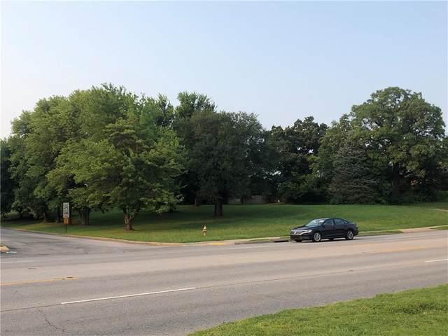 202 W Monroe Avenue, Lowell, AR 72745 (MLS #1193052) :: McNaughton Real Estate