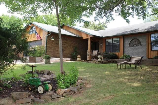 2733 E Ferguson Avenue, Fayetteville, AR 72703 (MLS #1194021) :: NWA House Hunters | RE/MAX Real Estate Results