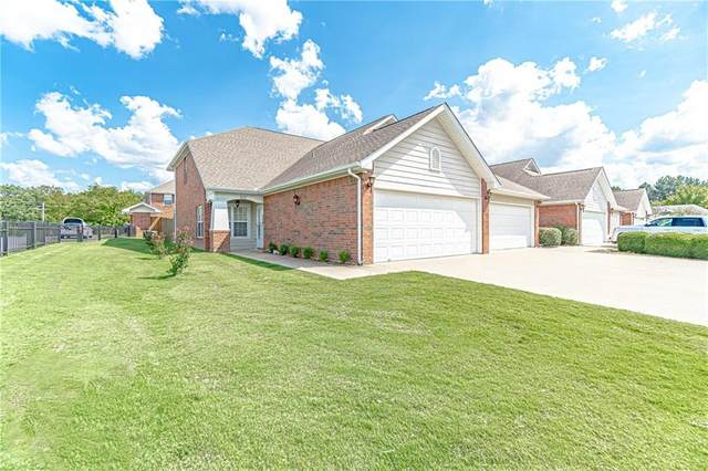 901 Lafayette Street, Rogers, AR 72758 (MLS #1197753) :: NWA House Hunters | RE/MAX Real Estate Results