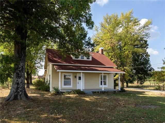 1110 E Lake Francis Drive, Siloam Springs, AR 72761 (MLS #1198116) :: Five Doors Network Northwest Arkansas