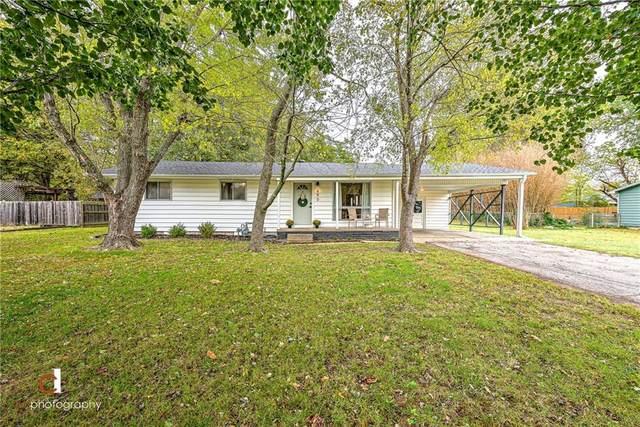 690 S Ray Avenue, Fayetteville, AR 72701 (MLS #1201922) :: McNaughton Real Estate