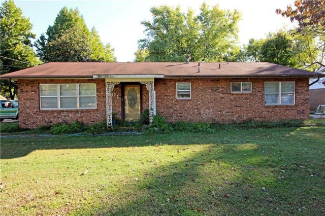 801 SW 2nd Street, Bentonville, AR 72712 (MLS #1062954) :: McNaughton Real Estate