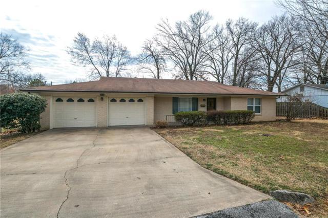 805 Carson Drive, Bentonville, AR 72712 (MLS #1072506) :: McNaughton Real Estate