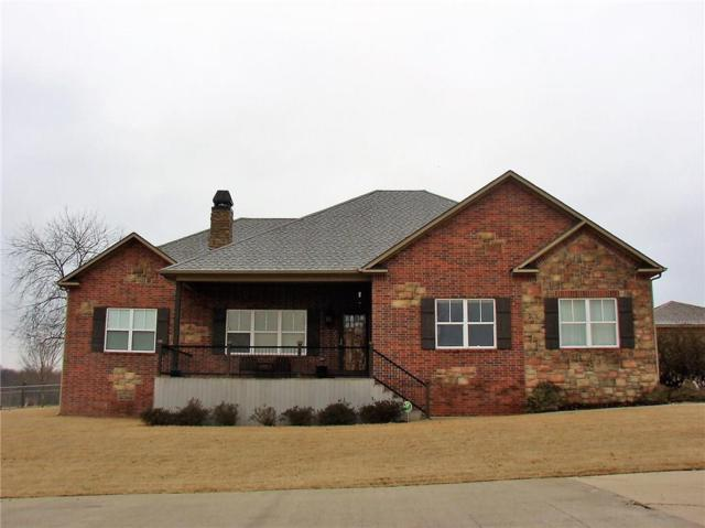 2600 Lookout, Grove, OK 74344 (MLS #1073211) :: McNaughton Real Estate
