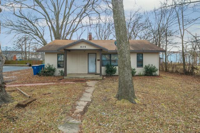 605 SW 5th Street, Bentonville, AR 72712 (MLS #1073254) :: McNaughton Real Estate