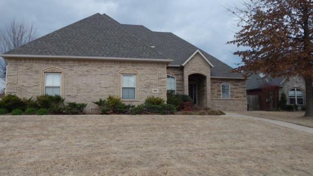 2300 SW Pinoak Avenue, Bentonville, AR 72712 (MLS #1076059) :: McNaughton Real Estate