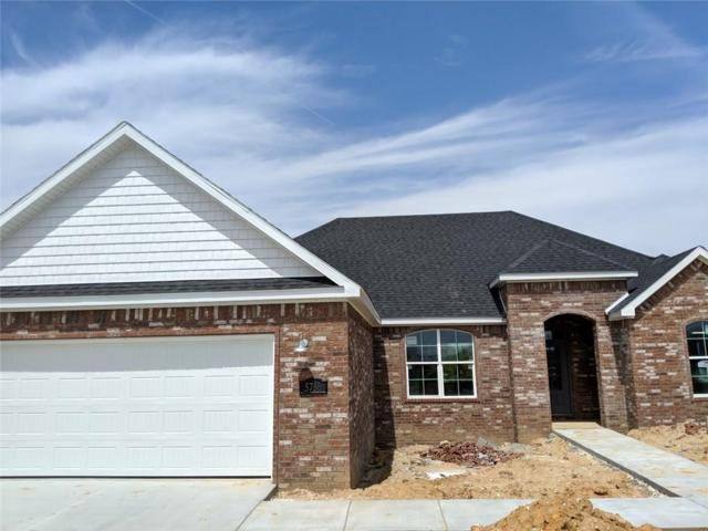 5786 W Cane Hill  Dr, Fayetteville, AR 72704 (MLS #1111462) :: Five Doors Network Northwest Arkansas