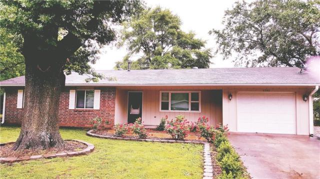 1201 Royal  Dr, Bentonville, AR 72712 (MLS #1115007) :: McNaughton Real Estate