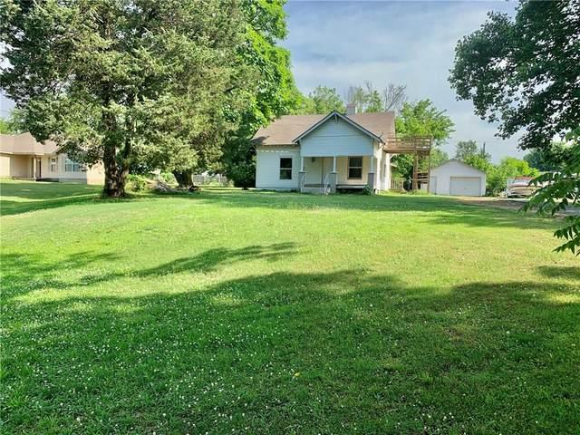 396 W Pickens, Pea Ridge, AR 72751 (MLS #1150670) :: McNaughton Real Estate