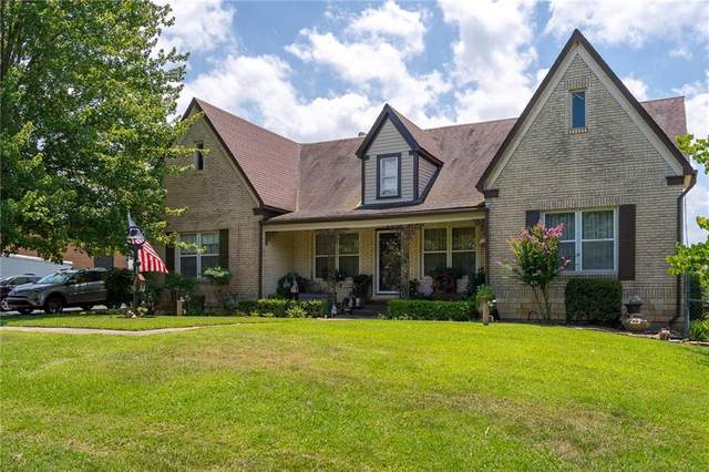 905 W River Street, Ozark, AR 72949 (MLS #1154087) :: McNaughton Real Estate
