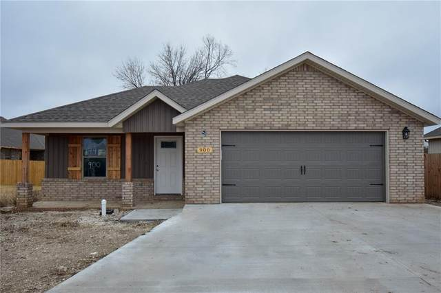 900 Iroqouis Drive, Prairie Grove, AR 72753 (MLS #1165140) :: McMullen Realty Group