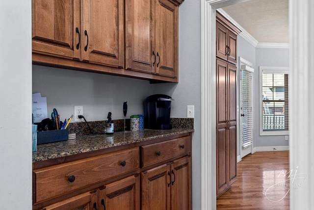 4002 Clearcreek, Bentonville, AR 72713 (MLS #1197610) :: NWA House Hunters | RE/MAX Real Estate Results