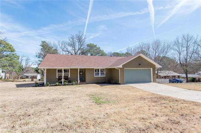 905 E Overcrest Street, Fayetteville, AR 72703 (MLS #1073241) :: McNaughton Real Estate