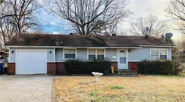 1006 SE 3rd Street, Bentonville, AR 72712 (MLS #1139813) :: Jessica Yankey | RE/MAX Real Estate Results