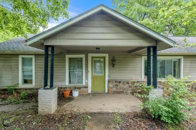 1007 N Mission Avenue, Fayetteville, AR 72701 (MLS #1185104) :: Five Doors Network Northwest Arkansas