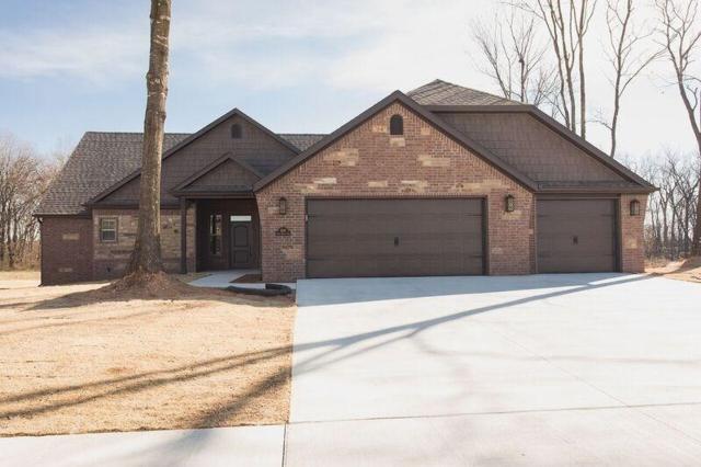 1041 Quail Hollow Drive, Bentonville, AR 72712 (MLS #1057103) :: McNaughton Real Estate
