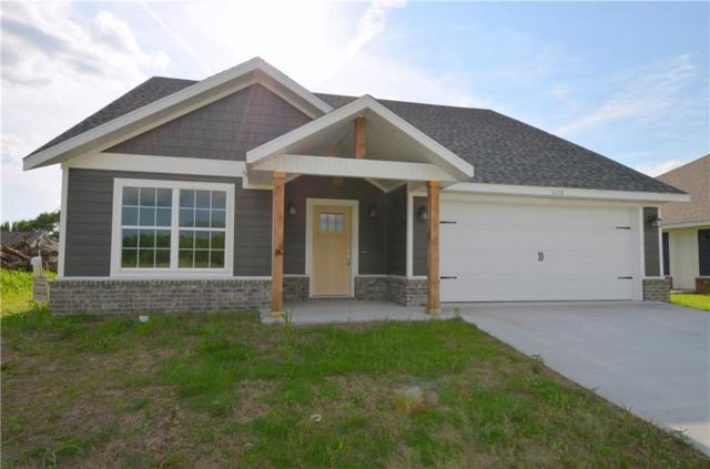 1152 Canyon Gate  Dr, Siloam Springs, AR 72761 (MLS #1061896) :: McNaughton Real Estate