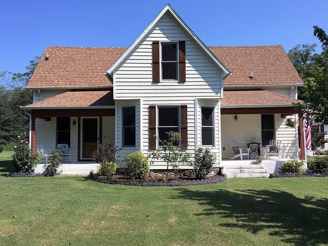 304 Graham  St, Prairie Grove, AR 72753 (MLS #1059389) :: McNaughton Real Estate