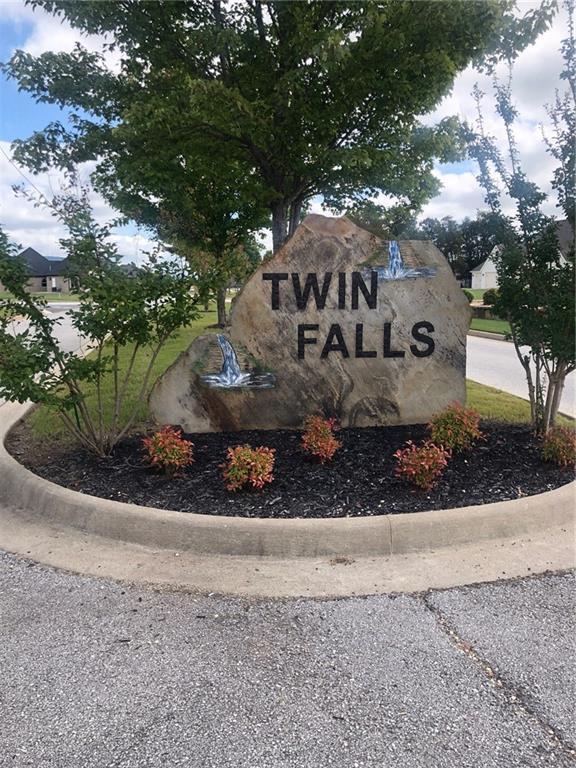 504 Twin Falls  Dr, Farmington, AR 72730 (MLS #1093933) :: McNaughton Real Estate